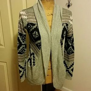 Very pretty Aztec cardigan sweater!